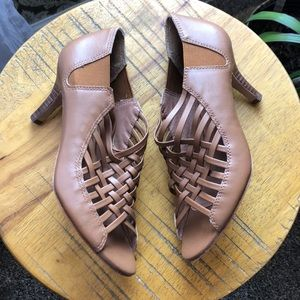 Gorgeous brown strappy Corso Como heels